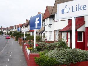 firstfacebookpropertyapp propertyplace 7 Social Media Tricks to Sell Your House