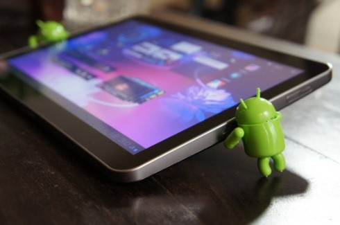 galaxytab10.1 490x325 3 Ways Android Tablets Can Survive Against iPad 2